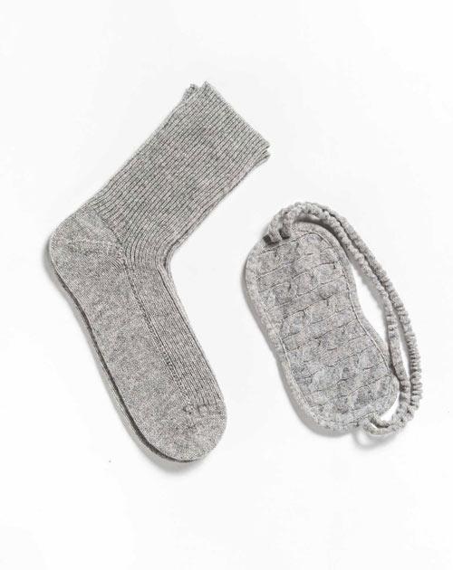 Socken und Schlafmaske aus 100% Cashmere
